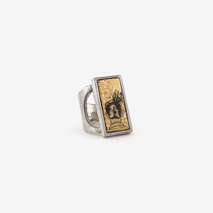 Bague Flashback (Étain, Plaqué Or brillant 22K) Ajustable === Flashback Ring (Pewter, 22K Shiny Gold-Plated) Adjustable