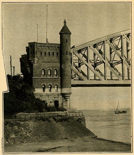 Aan den spoorbrug over de Waal te Nijmegen. 1932