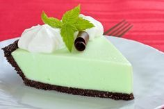 Grasshopper pie recipe. Tasty chocolate mint! #recipes #dessert #pie