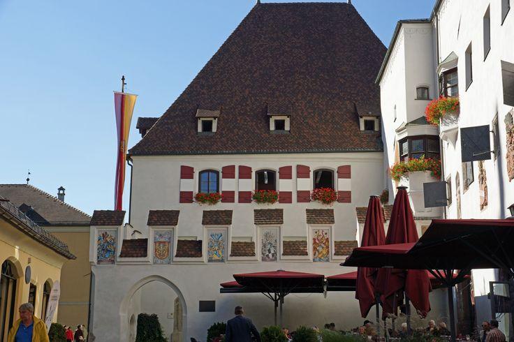Rathaus von Hall in Tirol - Tirols schönstes Standesamt Town hall of Hall in Tirol - Tirol's favourite marriage registration offices