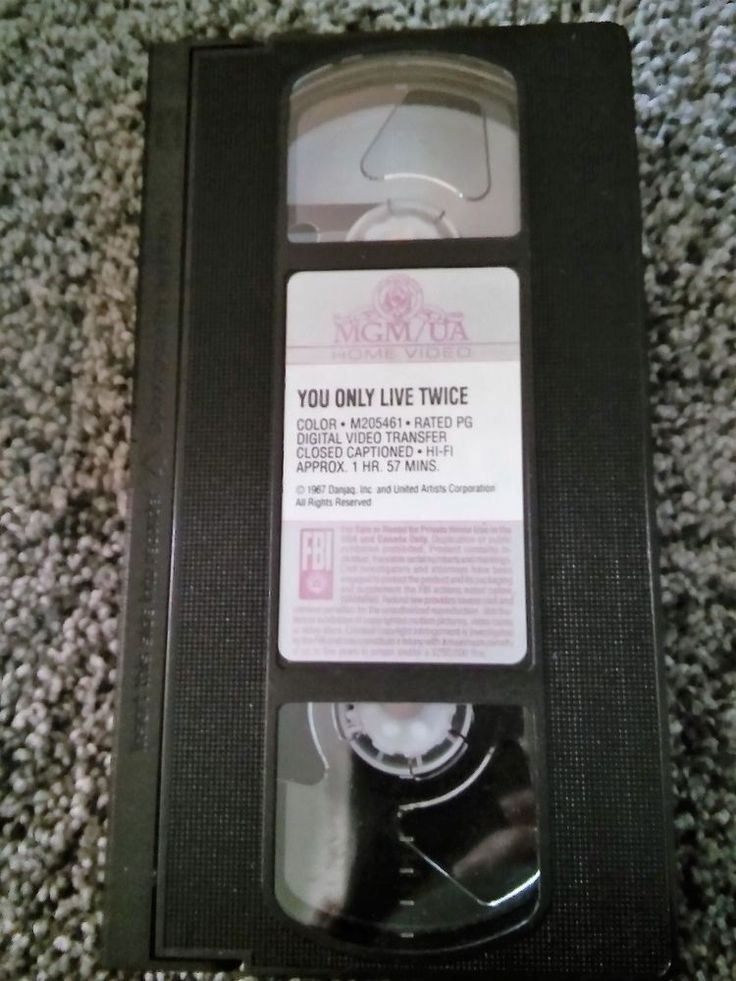 You Only Live Twice (VHS, 1967) Sean Connery, Donald Pleasence GUC No Box