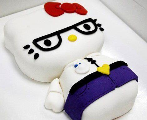 Pastel de Hello Kitty, cubierto en fondant.