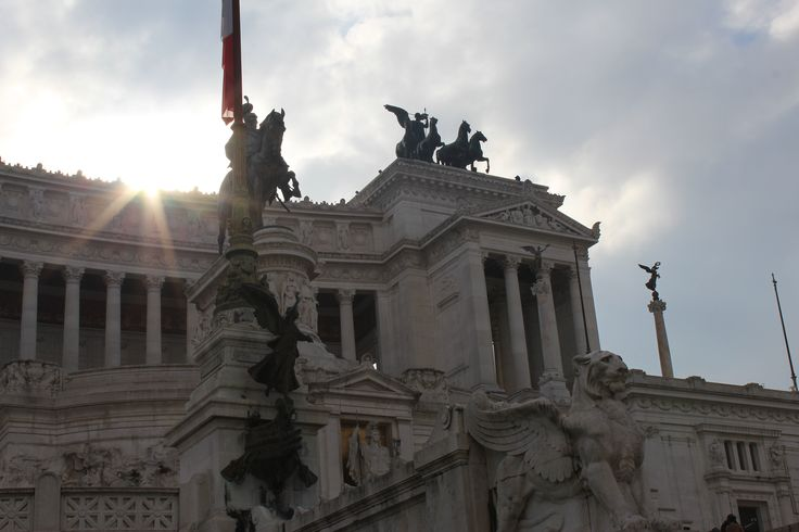 Altar of the Fatherland - Rome, Italy #white #sunshine #street #italy