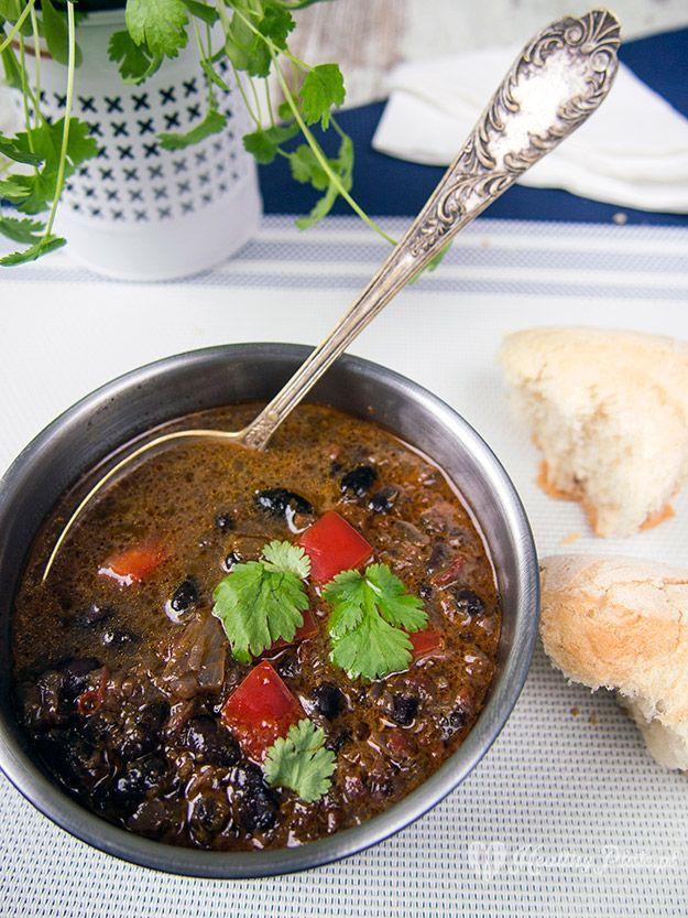 cuban black bean soup  / sopa cubana de frijoles negros