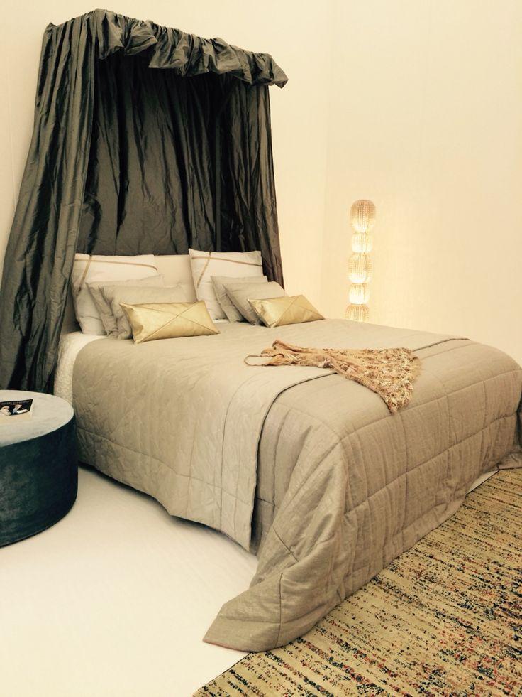 Koninklijke slaapkamer met beddengoed en accessoires van Mrs Me