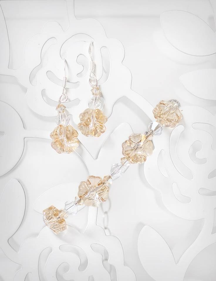 golden shadow  and white crystals jewelry set