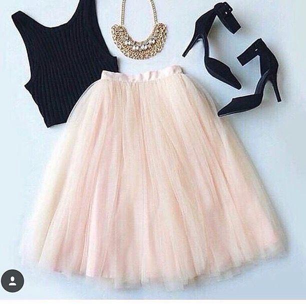 Mu00e1s de 10 ideas fantu00e1sticas sobre Outfit Falda Circular en Pinterest   Faldas circulares Falda ...