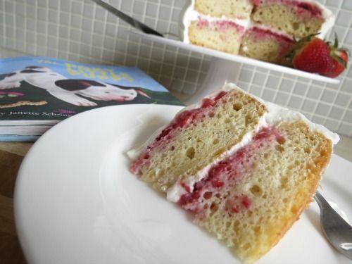 Strawberry Shortcake Cake - ah-mazing!  betterwithcake.com
