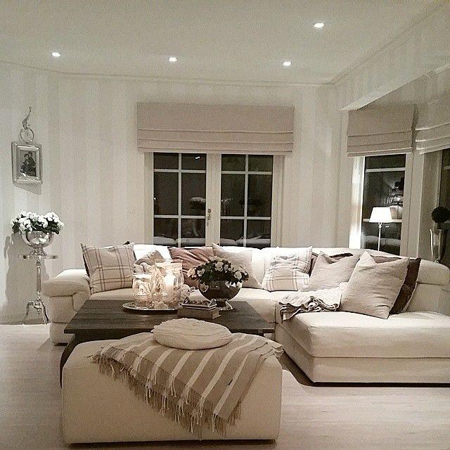 #ShareIG Stuen i dag. Livingroom today/night  #stue #sofa #sofabord ##interior #interiør #inspiration #inspirasjon #decor #dekor #norway #nofilter