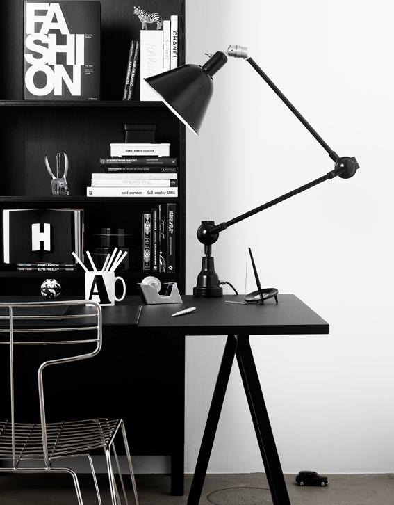 ★ black work space
