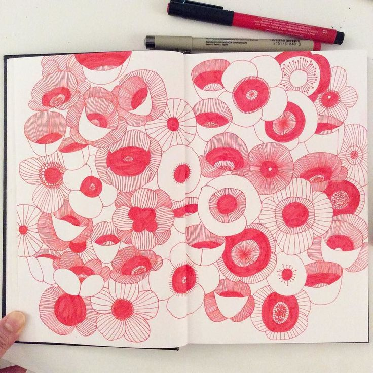 My Sunday Walking Dead fun- Poppy flowers! Btw this is my new sketchbook I just got last week I don't have other complains except it doesn't flat completely.. I guess I will just stick to Moleskine.. #illustration #doodle #sketchbook #red #micron #sakuraofamerica #creativebug #pattern #poppyflower #drawing by hee_cookingdiary