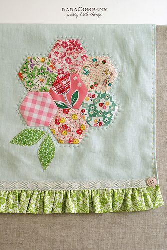 hexie flower towel- super cute! need to try this one.