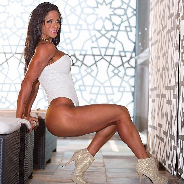 """Michelle Lewin - Copyright """"Girlwithmuscles"""""""