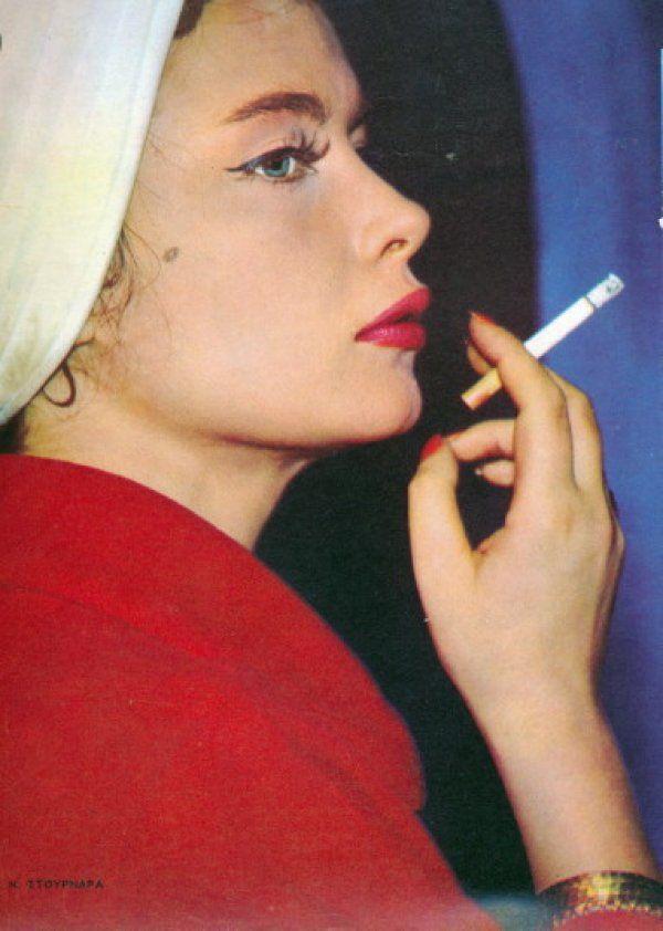 Όταν η πανέμορφη Τζένη Καρέζη πόζαρε σαν μοντέλο, 50 χρόνια πριν