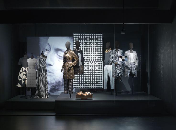 GRAPHIC theme - Dries Van Noten Inspirations @ MoMu Fashion Museum Antwerp / (c) Koen de Waal
