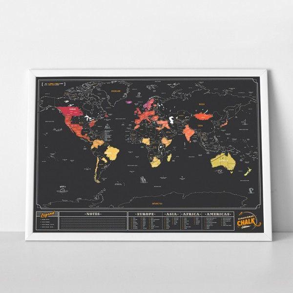 Mappemonde noire à gratter de 82,5 x 59,4 cm  Esthétique noir ardoise et feutre craie  Notez les infos et grattez les contrées visitées  Accrochée au mur, cette déco globetrotter claquera !