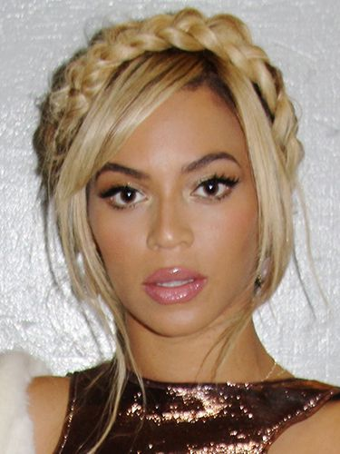 Beyonce braided headband looks so goddess-like.   Seen this a few times, but never fails to amaze me