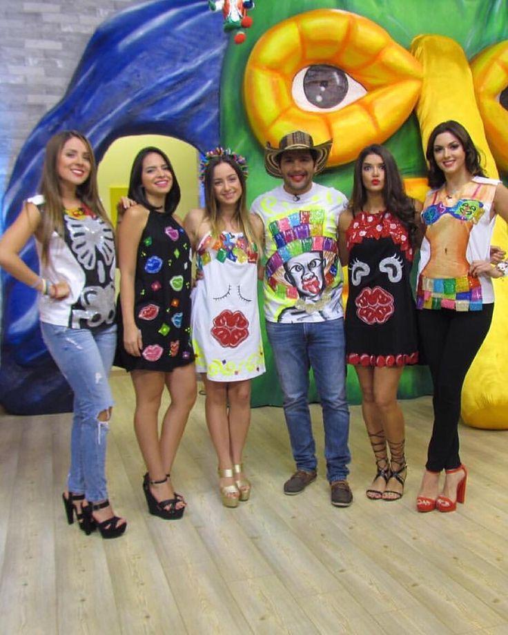 Carnavaleros en grupos