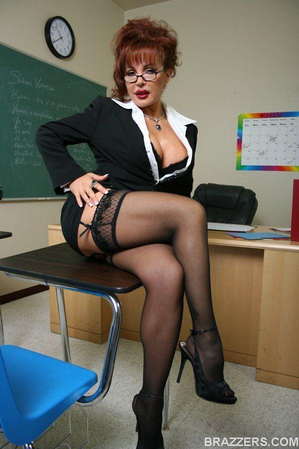 see up teachers skirt porn