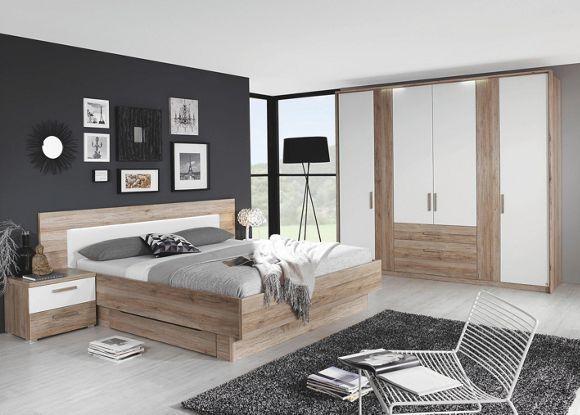 Mit diesem Schlafzimmer von BOXXX schlafen Sie in einem chicen Ambiente. Auf dem ca. 180 x 200 cm (B x L) großen Bett liegen Sie komfortabel. Der Kleiderschrank bietet auf einer Breite von ca. 250 cm Platz für Ihre Hemden, Shirts, Jacken oder Hosen. Hinter 4 Drehtüren sind Ihre Lieblingsstücke dabei bestens aufgehoben. Auf den beiden Nachtkästchen legen Sie Ihren Roman, Ihre Leuchte und Ihre Lesebrille griffbereit ab. In den 2 Schubladen bewahren Sie Accessoires, K