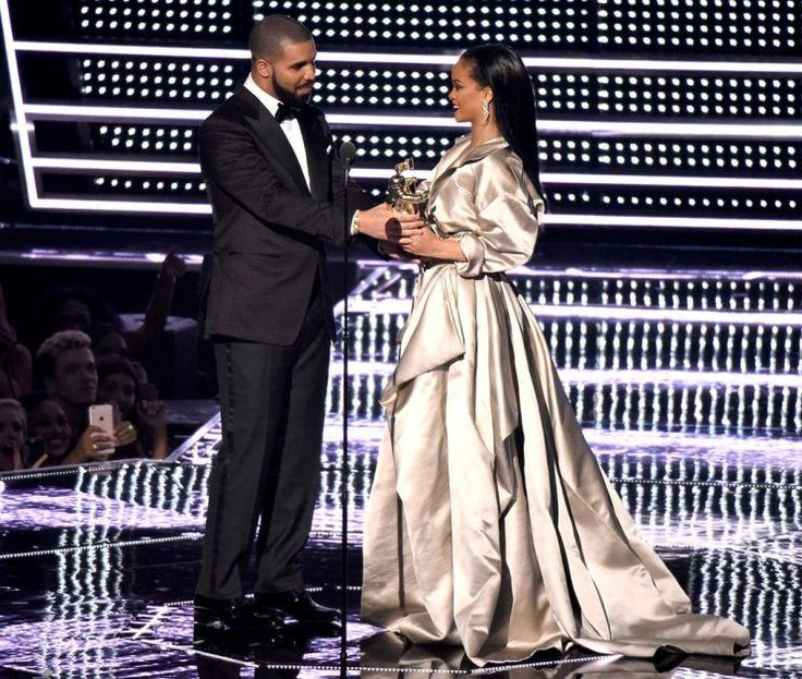 The first time Drake met Robyn Rihanna Fenty was 2005 — and for the rapper, it…