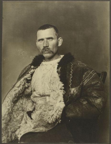 Augustus F. Sherman. Romanian shepherd. Ellis Island portraits. New York Public Library.