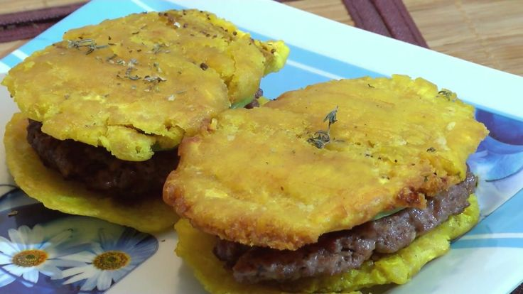 How to Prepare Hamburguer with Plantain- CocinaTv By Juan Gonzalo Angel