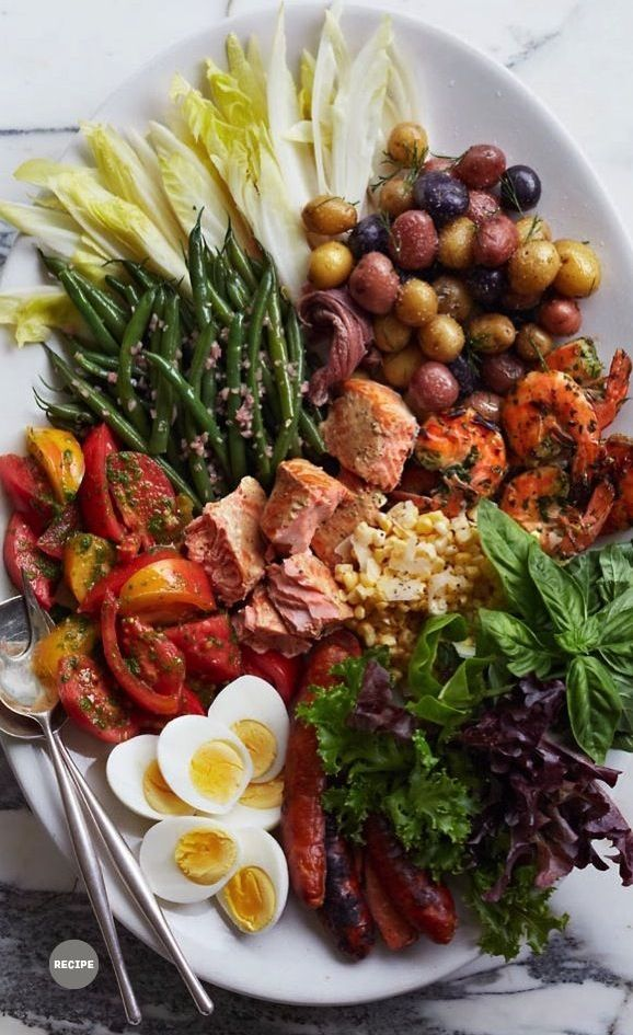 Salade Niçoise. I love the presentation of this. I would make one or two changes but love this.