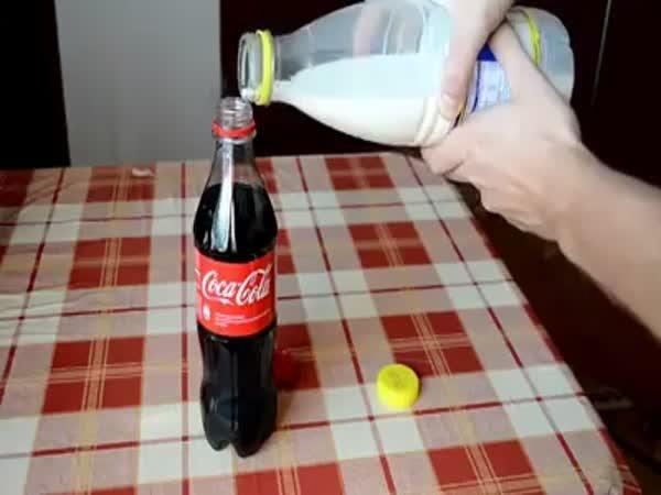 Coca Cola a mléko