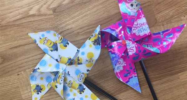 La nostra bravissima Anna Clair ci insegnerà a riciclare la carta delle uova di Pasqua e a creare delle bellissime girandole!