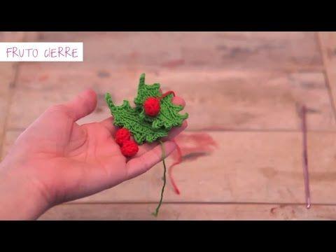 VIDEO TUTORIAL Cómo hacer un a cebo de ganchillo para Navidad | Crochet holly for Christmas