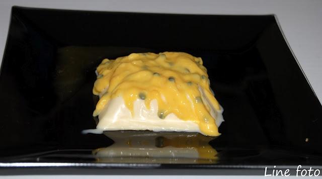 Pasjonsfruktkrem.   Pasjonsfruktpuré kan kjøpes her: http://shop.selectflavour.com/fruktpure/pasjonsfrukt-pure-90-frukt-baer