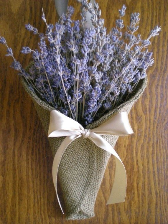 love this - lavender! wonder how it would look with sunflowers and cotton bolls?