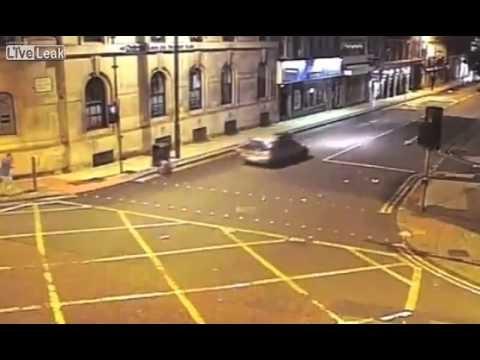 Cámara de seguridad capta brutal atropello en Manchester #Video - Cachicha.com