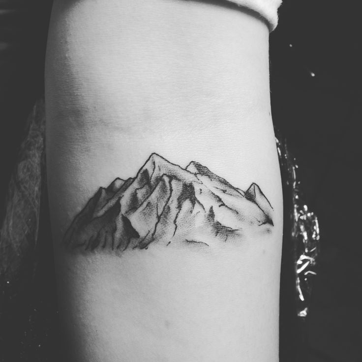 Mountain Tattoo done by Billy Rahmberg at Enigma Tattoo in St. Louis 🏔🖤 #forearmtattoo