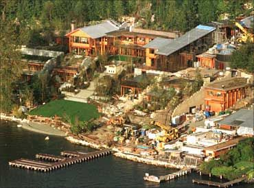 Here's Bill Gate's Mansion.: Of Large, Home, La Haute, Bill Gates House Mansions, Class Tropclass Com, Grand Nom, Class Tropclassecom, The House, Class Too