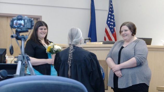 EEUU: Alaska celebró primer matrimonio gay tras anulación de prohibición #Peru21