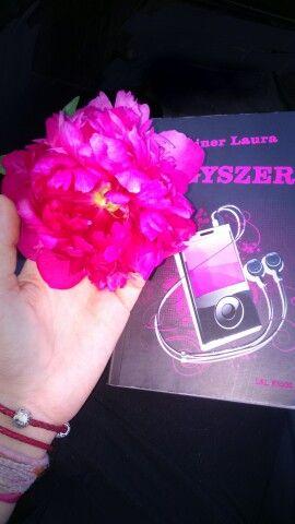 #bexi #leinerlaura #egyszer #Music #flower #book #sketcheditor #photo #pink #love #Hungary A Sony Rajz alkalmazással készítette Amberius