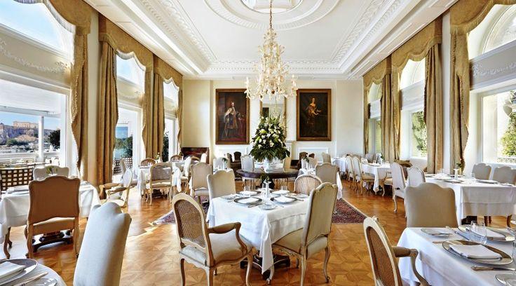 Tudor Hall, η ελληνικότητα στην μεγαλειώδη εκδοχή της!