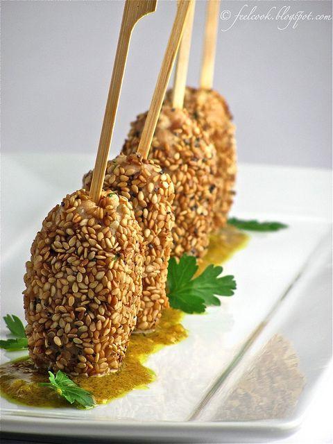 Mini kebab di pollo al sesamo by FeelCook, via Flickr