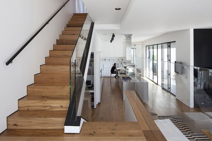 Architecture Design, Find My House Wooden Stairs Glass Safety Body Repair: Find my House in Ramat Hasharon by Levy Chamizer Architects