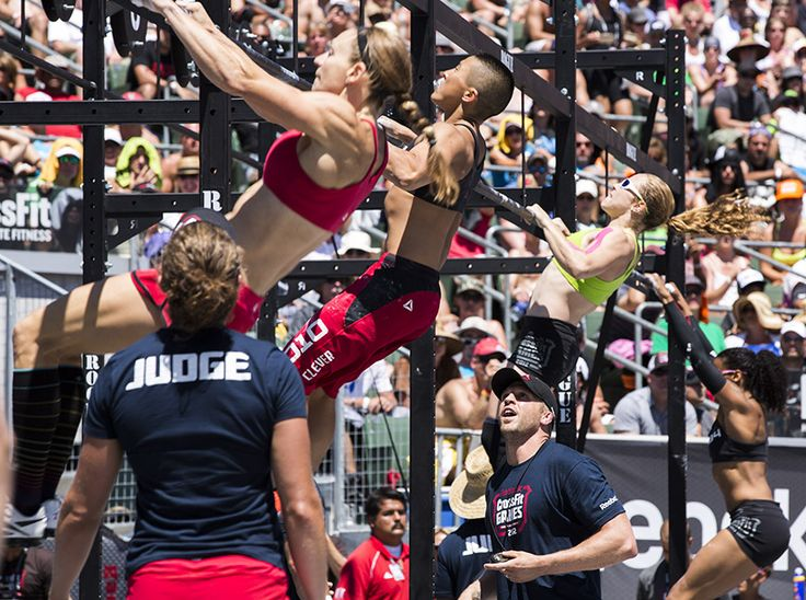 well i thought how fun would some crossfit competitions be...until i watched videos of these girls.yes thats a girl in the middle!locos!i guess ill stick to shopping, im really good at that.