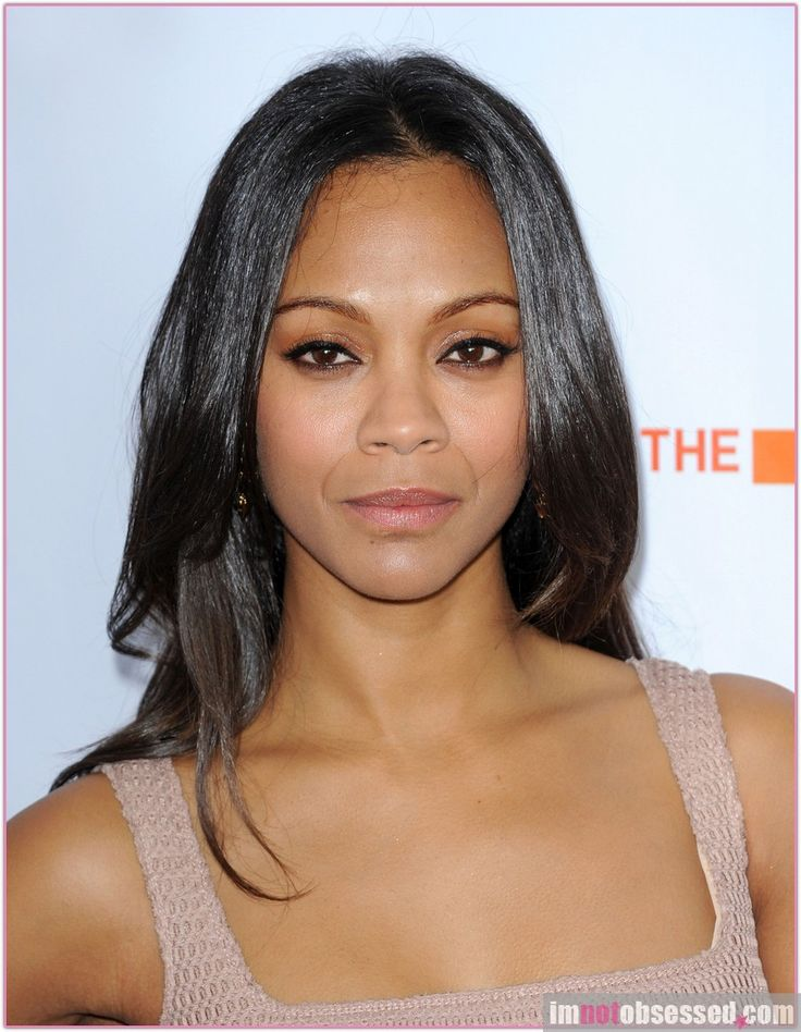 Zoe Saldana Born To A Dominican Father And A Puerto Rican Mother Celebrities Biracial