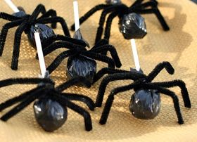 Halloween Treat Ideas...cute way to display suckers! ~ Spooktacular School Crafts and Treats Inspiration Board by Bella Bella Studios ~ Cute Spider Suckers! Great gift for classmates and students via the Crafty Sisters  #Halloween #spooky #treats #holiday #ghosts #boo #holidaycookies #holidaycrafts #crafts #kids #ideas #goblin #bat #countdracula #costume #pumpkin