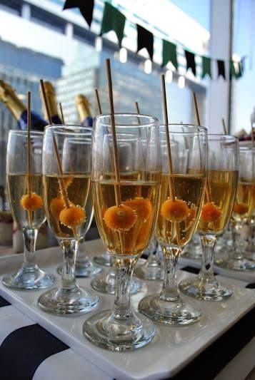 Golden berrie champagne