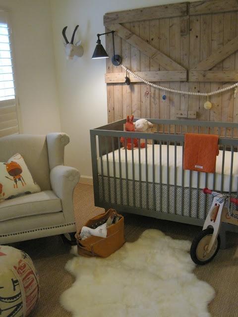 design indulgence: Baby G's nursery!: Idea, Rustic Nurseries, Barn Doors, Boys Nurseries, Boys Rooms, Baby Boys, Barns Doors, Rustic Nursery, Baby Rooms
