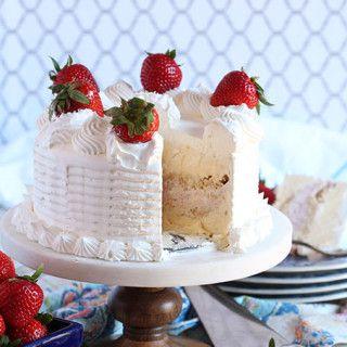 Easy Strawberry Ice Cream Cake