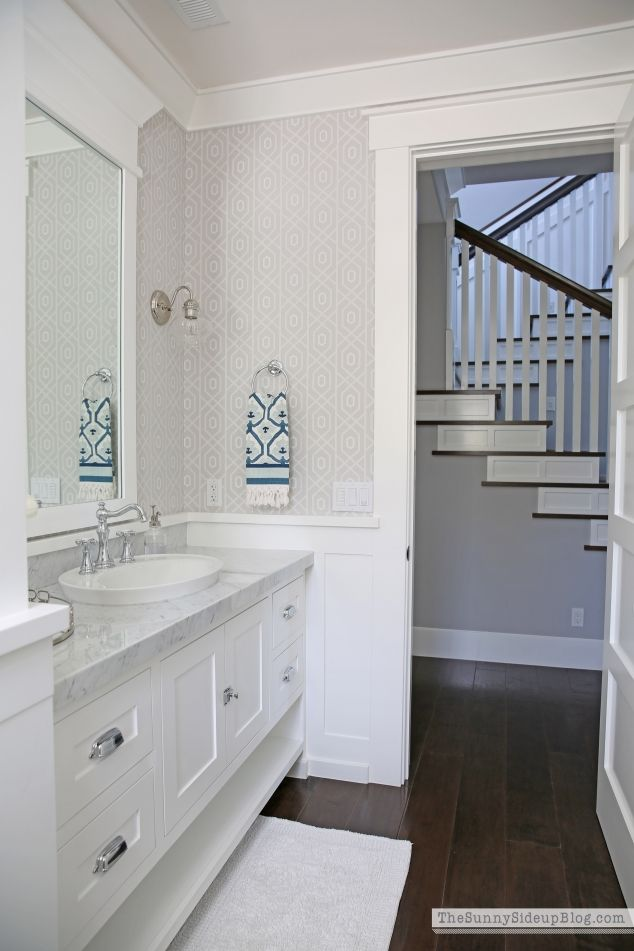 Spring Open House  Erin from Sunny Side Up. Best 25  Crown molding bathroom ideas on Pinterest   Diy mirror