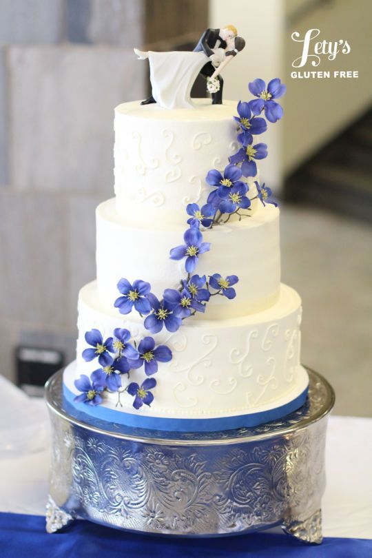how to make a wedding cake 385 best blue and white cakes images on white 4980