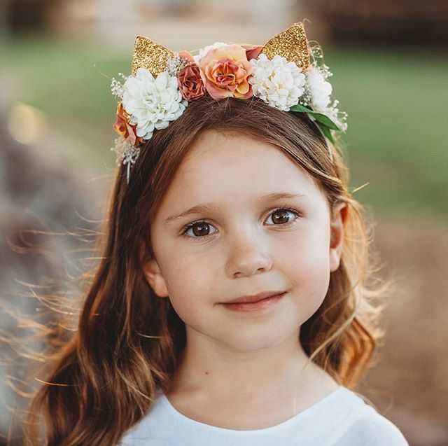 Beautiful Arch'n'Ollie headpieces are available now! These original designs are all about bringing out the uniqueness and personality of your little darling. We are in love! ❤️ Shop by going to www.karibou.co.nz/collections/archnollie